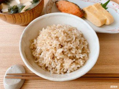 画像1: ひめの凛 玄米160g×12個入 -送料無料-  愛媛の美味しいお米「ひめの凛」の玄米パックごはんです。